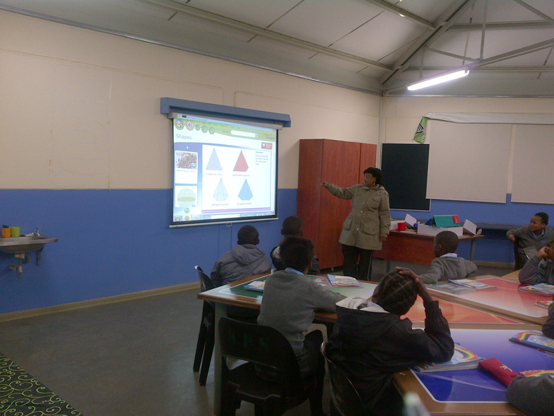 Lesson presentation at Kamohelo Primary School utilising ICT tools.